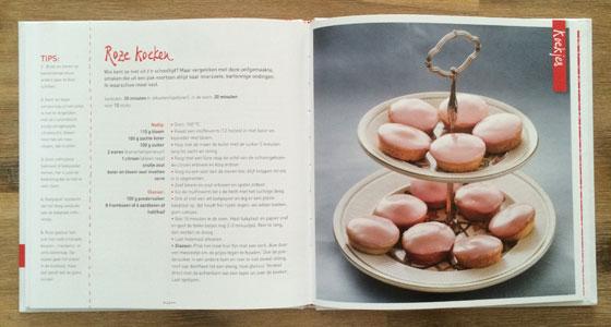 bakken met karin roze koeken