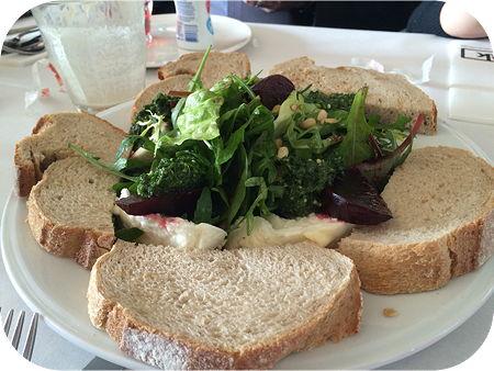 Lunchen bij Pllek in Amsterdam