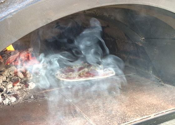 Pizza on Wheels beetje rook