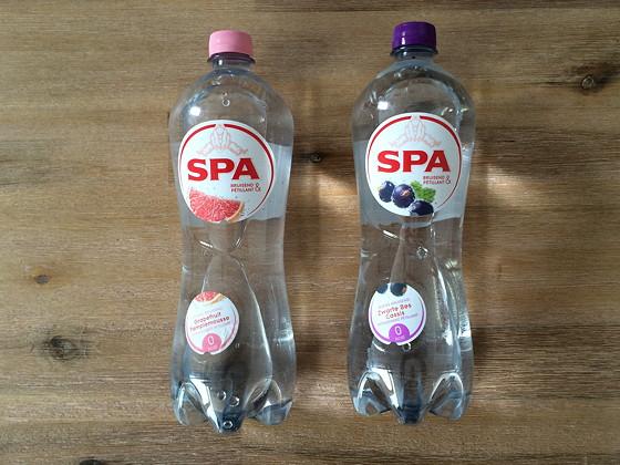 Nieuwe Smaken Spa Bruisend: & Grapefruit en & Zwarte Bes